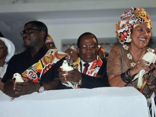 Carnaval de 2013: uma ditadura homenageada por quem em 2015 profana o nome de Zumbi