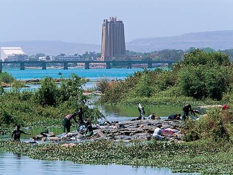 Bamako (Mali), cortada pelo rio Niger