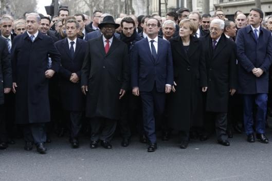 """Líderes governamentais marcham em Paris """"contra o terrorismo"""", sem olhar para o próprio rabo"""