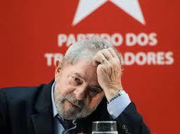 Lula, cujo destino esta nas mãos do juiz Sergio Moro. Quando caciques do PSDB, do PMDB e do PP terão destino igual?